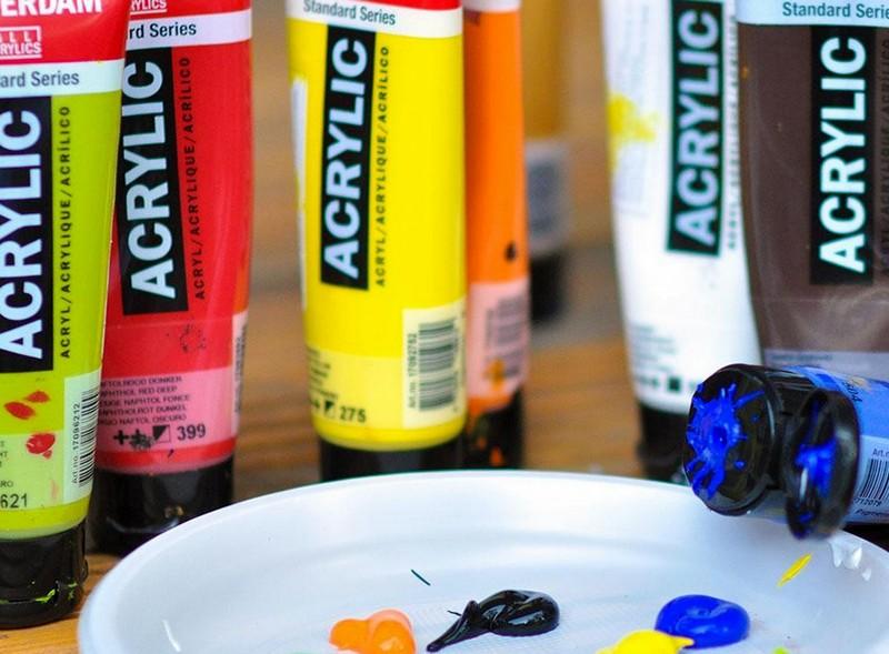 Чем разбавить акриловую краску если она засохла